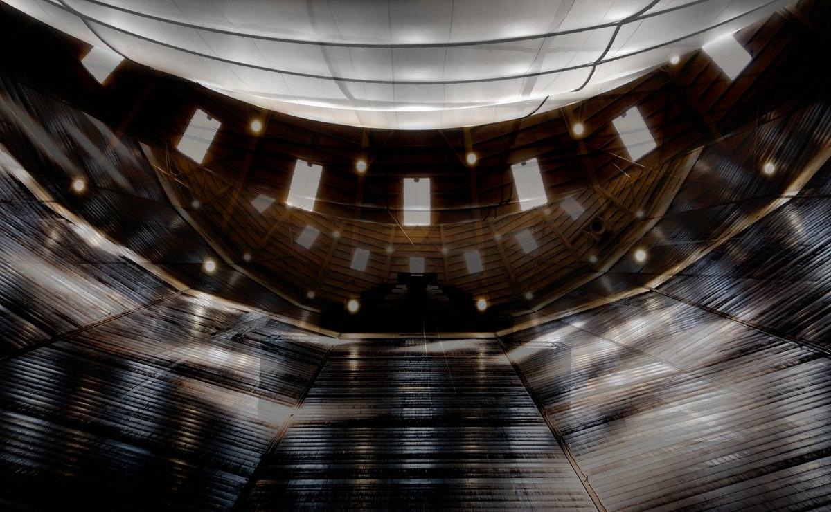 """Das """"Big Air Package"""" von Christo im Gasometer Oberhausen."""